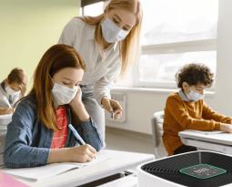 Contrôler la propagation du virus dans la vie réelle