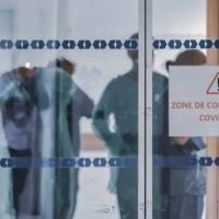 COVID-19 : l'OMS confirme le risque de transmission aérienne